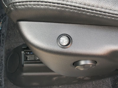HEATED SEAT BUTTONS